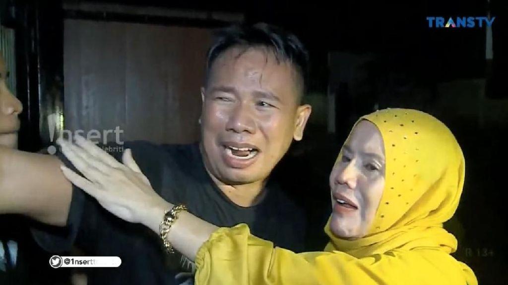 Pulang Bulan Madu, Ibunda Nangis Lihat Video Vicky Prasetyo Gerebek Angel Lelga