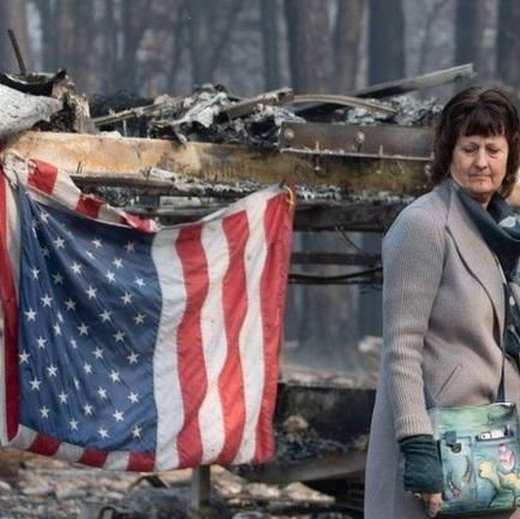 Trump Tinjau Kerusakan Akibat Kebakaran Hutan California