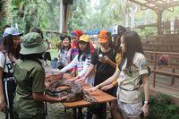 Harpitnas, Yuk Ketemu dan Main Bareng Satwa di Royal Safari Resort