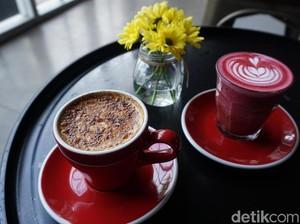 Ngopi Cantik di Coffee Shop Besar nan Modern
