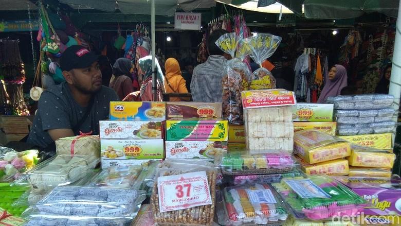 Foto: Oleh-oleh pasar beringharjo (Usman Hadi/detikTravel)