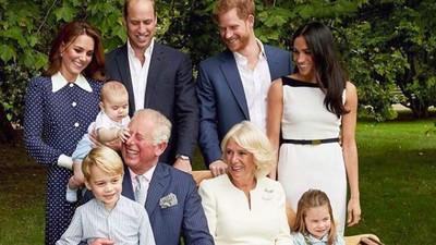 Senangnya, Pangeran Charles dan Cucunya Punya Kesamaan Hobi