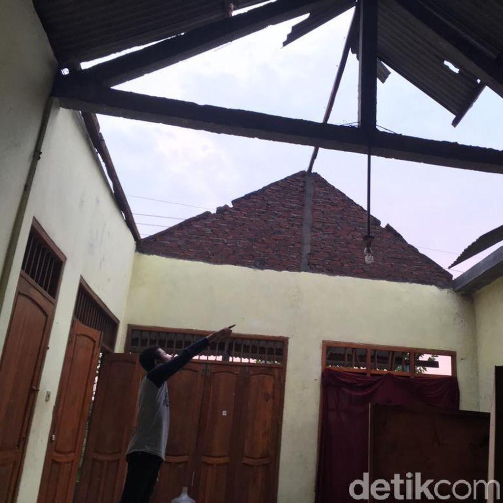 Dua Desa di Mojokerto Diterjang Puting Beliung, 137 Rumah Rusak