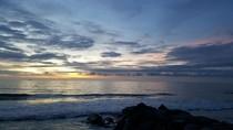 Cantiknya Senja di Pantai Padang