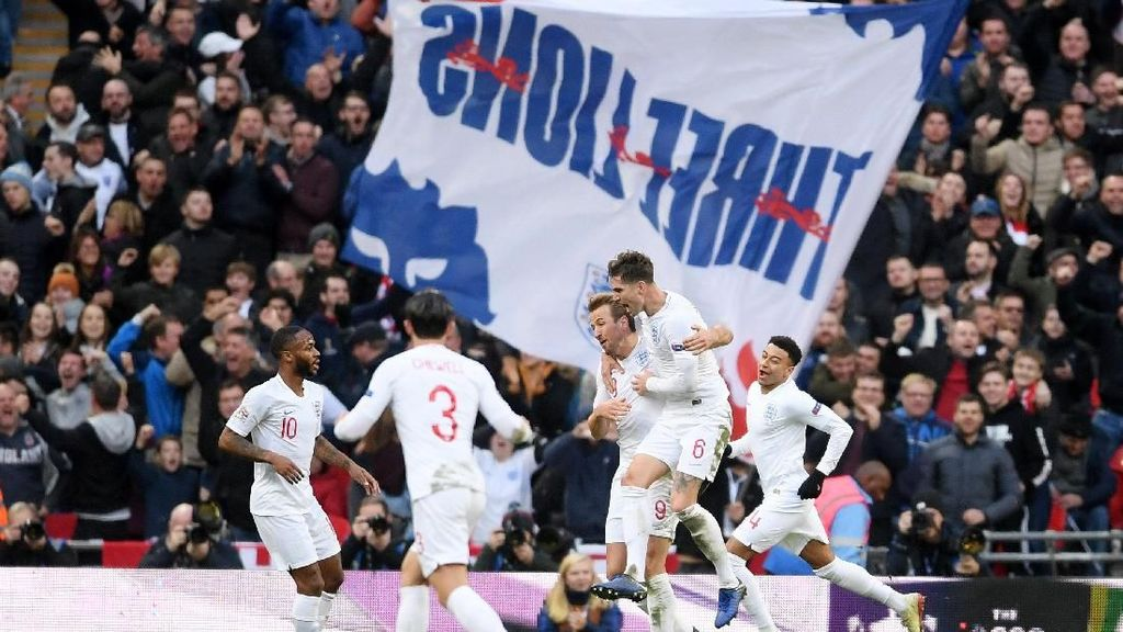 Senangnya Kane, Bangganya Inggris