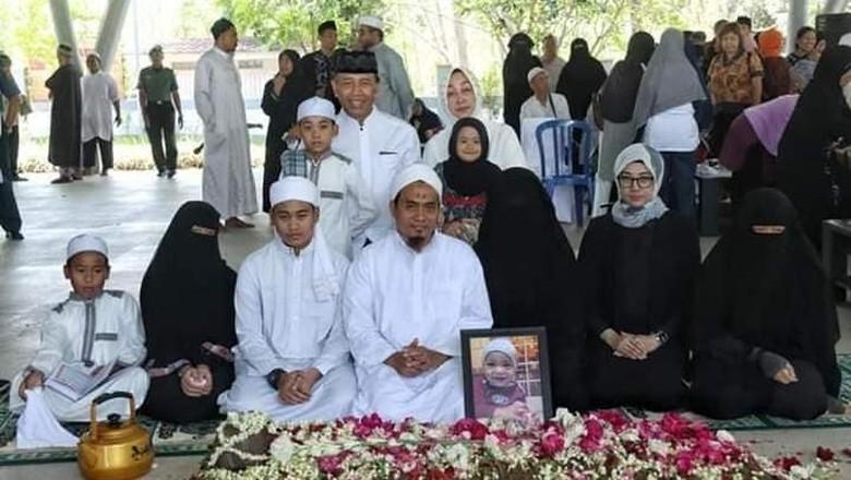 Wiranto Angkat Bicara soal Viral Foto Keluarganya Bercadar