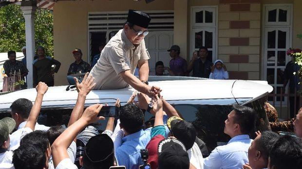 Adu Pamer Keislaman Jokowi dan Prabowo di Pilpres 2019