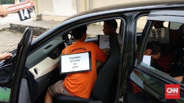 Olah TKP kasus pembunuhan sopir taksi online, Palembang, beberapa waktu lalu.