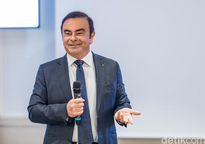 Carlos Ghosn saat mengumumkan kinerja keuangan Renault 2017