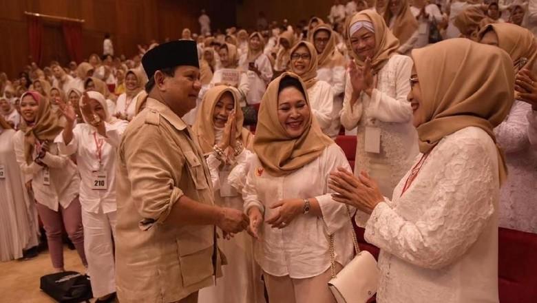 Titiek Soeharto Ikut Deklarasi Emak-emak Pencinta Prabowo Subianto