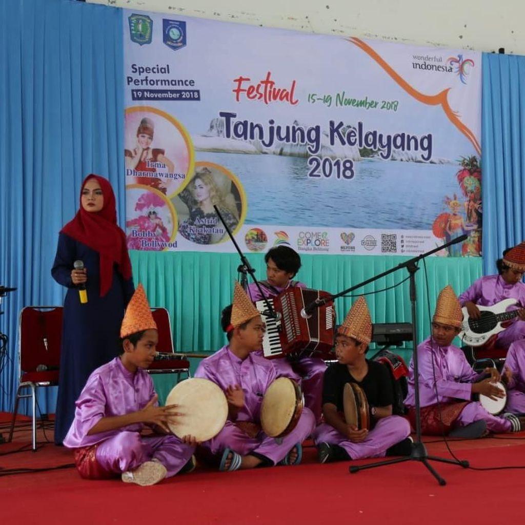 Konser Dangdut Hebohkan Festival Tanjung Kelayang 2018