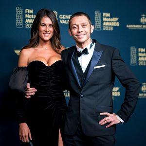 Tak Sendirian, Rossi Gandeng Kekasih ke MotoGP Awards 2018