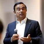Tampak Kurus, Carlos Ghosn Muncul di Persidangan