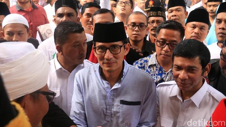 Ziarah ke Makam Sultan Iskandar Muda, Sandi Disambut Emak Bidadari