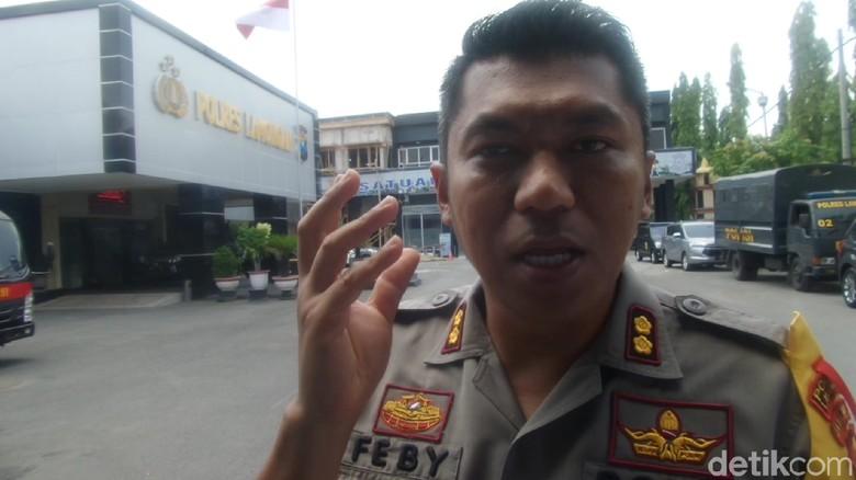 Polisi Geledah Rumah Pelaku Penyerangan di Lamongan