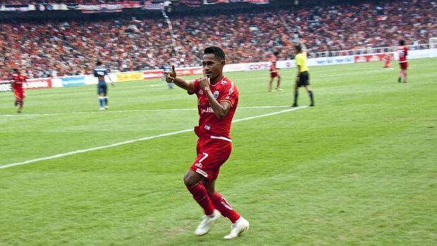 Ramdani Lestaluhu sempat membawa Persija Jakarta unggul atas Sriwijaya FC.