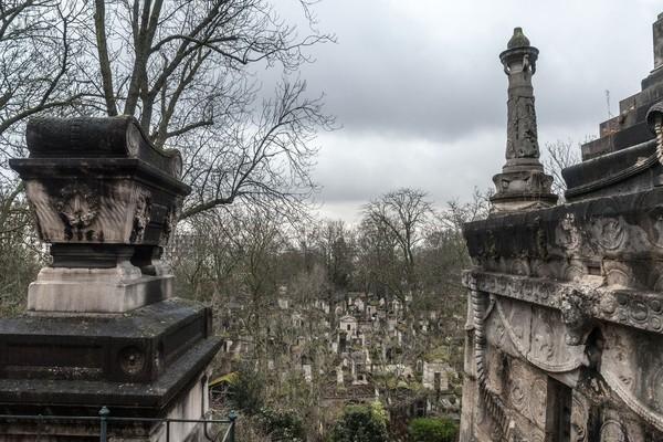 Pemakaman ini begitu luas, mencapai 44 hektar dengan sekitar ratusan ribu hingga 1 juta jasad dimakamkan di sini (iStock)