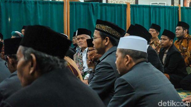 Presiden Joko Widodo (Jokowi) bertemu para ulama sebelum memperingati maulid Nabi Muhammad SAW di Istana Bogor