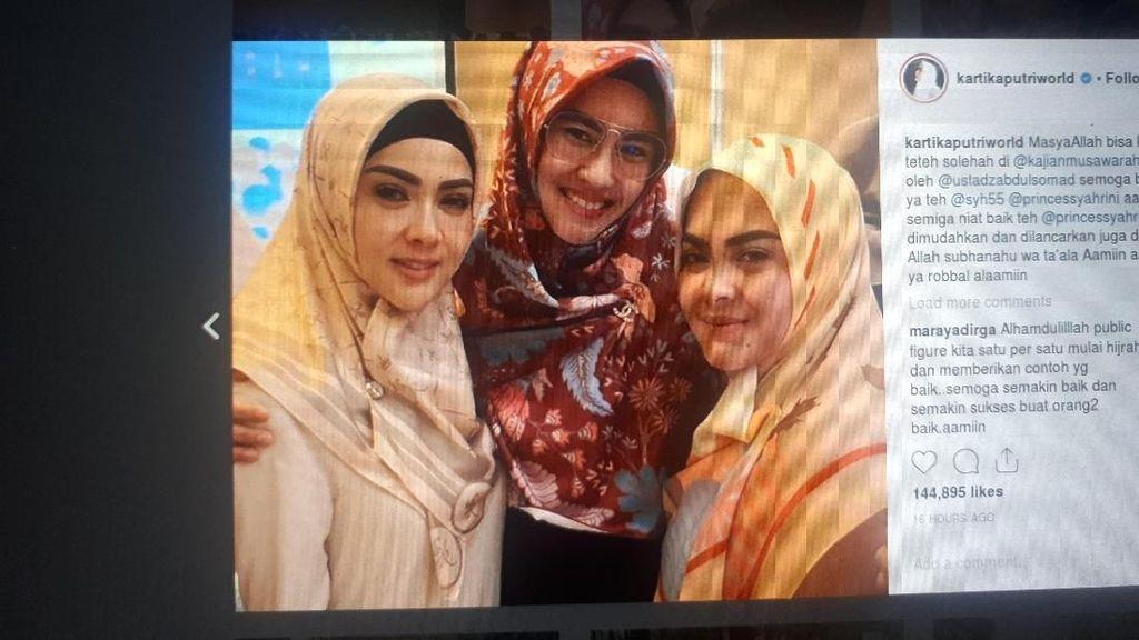 Syahrini Bertanya ke Uztaz Somad Soal Pernikahan, Kode?
