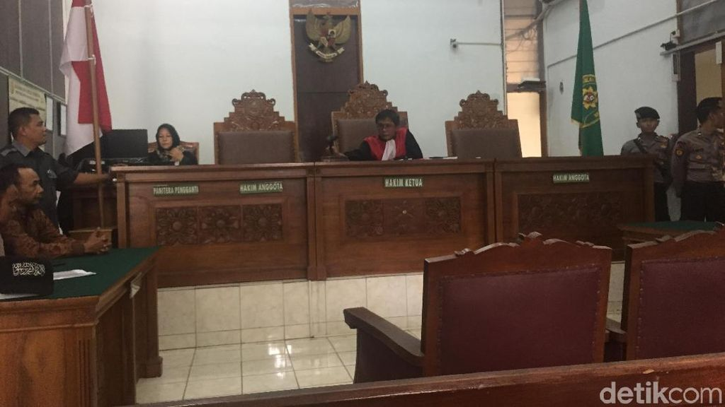 Hakim Mentahkan Praperadilan SP3 Kasus Puisi Ibu Indonesia