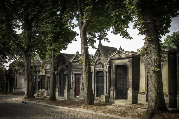 Pere Lachaise ini begitu populer dan disebut-sebut sebagai pemakaman yang paling ramai dikunjungi turis (iStock)