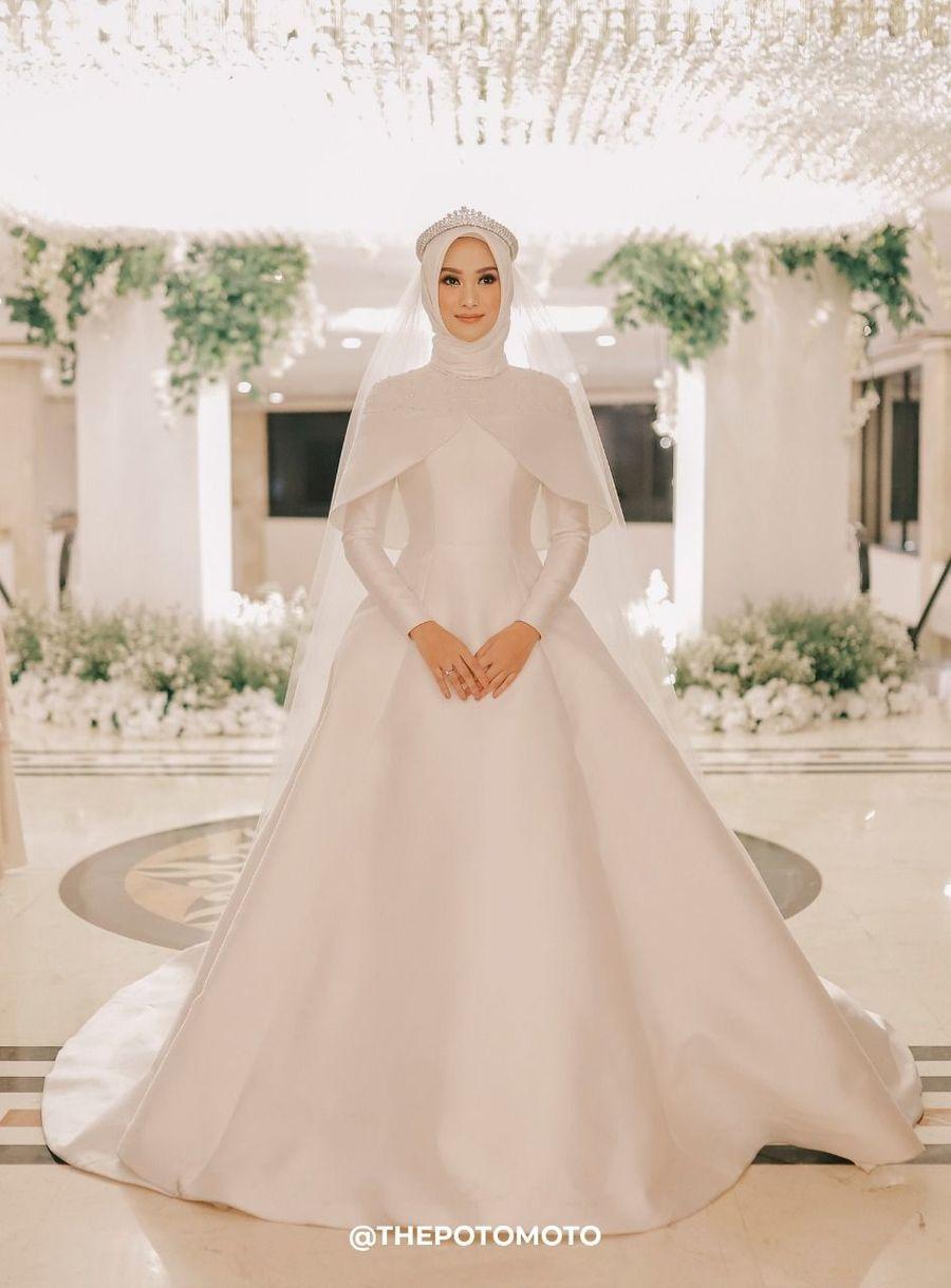 Foto: Nikah Tahun Depan? Intip Inspirasi Gaun Pengantin Hijab Ini