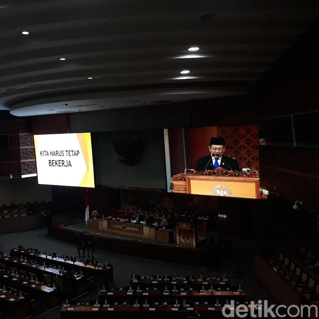 Bamsoet Minta Anggota DPR Tak Alasan Sibuk Kampanye di Sisa Jabatan