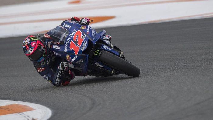 Maverick Vinales menggunakan pengaturan motor berbeda dengan Valentino Rossi sejak MotoGP Thailand. (Foto: Mirco Lazzari gp/Getty Images)