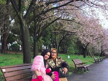 Sehat dan bahagia selalu Syahrini dan keluarga. (Foto: Instagram/princessyahrini)