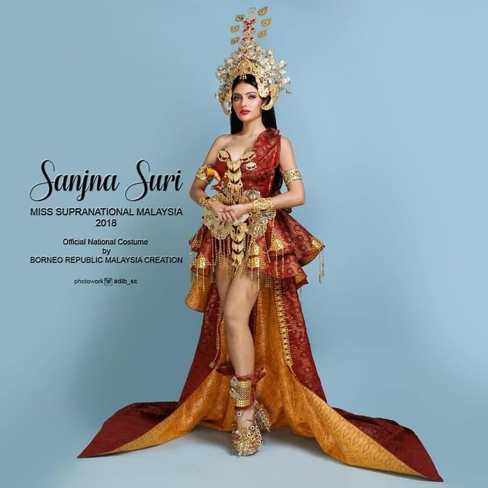 Kontroversi kostum nasional Srikandi Malaysia. Foto: Dok. Instagram @borneorepublicmalaysia, @sanjna_suri