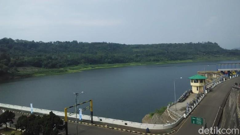 Waduk Cirata Berusia 30 Tahun, Kualitas Air Memprihatinkan