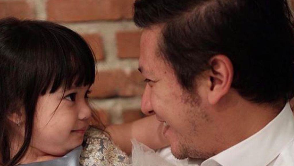 Kemesraan Gading Marten dengan Putri Kecilnya, Gempita