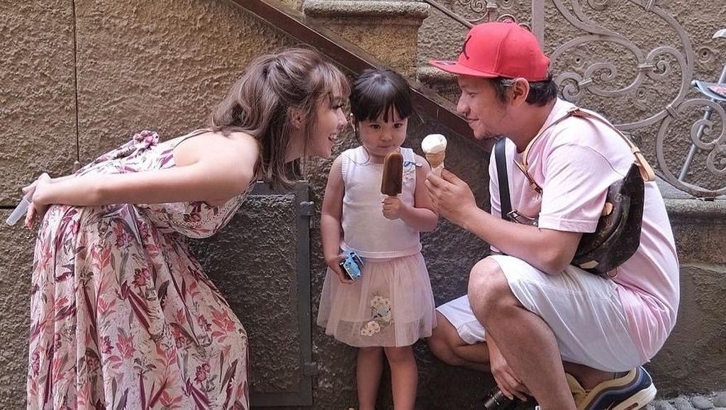 Liburan Bareng ke Bali, Cara Co-Parenting Gading & Gisel Demi Gempi