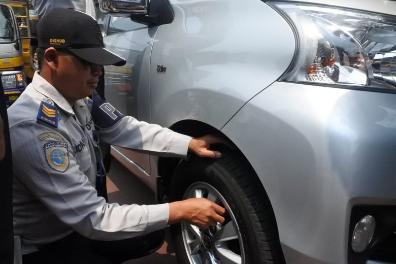 55 Kendaraan Terjaring Operasi Cabut Pentil di Bandung