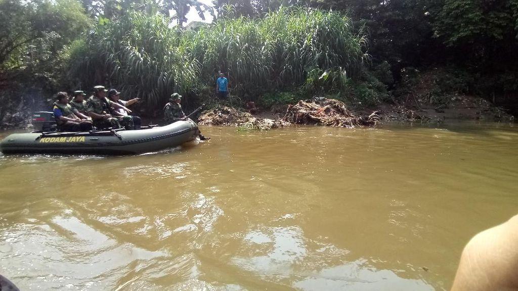 Antisipasi Banjiir, Pangdam Jaya Susuri Sungai Ciliwung