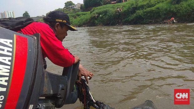 Menyusuri Jejak Ahok dan Anies di Sepanjang Sungai Ciliwung