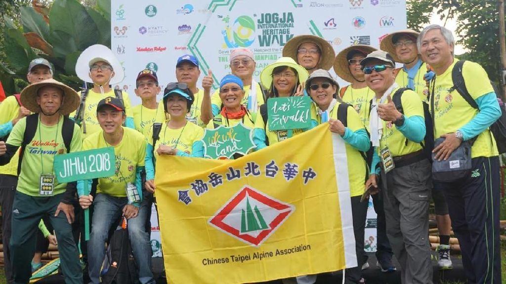 350 Wisatawan Mancanegara Jalan Kaki untuk Eksplor Yogya