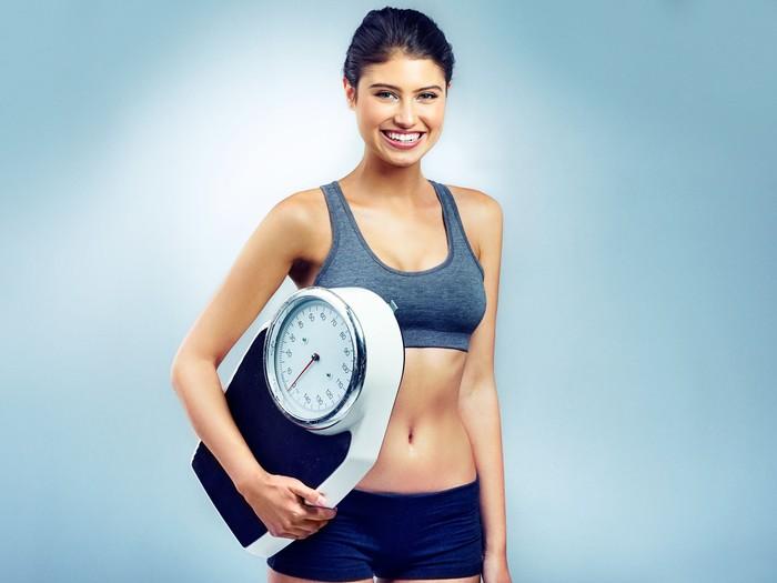 Ilustrasi cara menghitung berat badan ideal. Foto: Dok. iStock