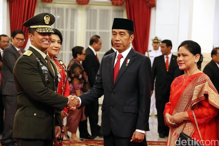 Foto ilustrasi: Presiden Jokowi dan KSAD Jenderal Andika Perkasa (Rengga Sancaya/detikcom)