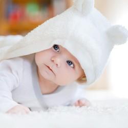 30 Inspirasi Nama Bayi Laki-laki dengan Makna Bersinar