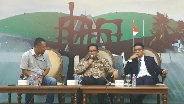 Marak Politik Uang, Wakil Ketua MPR: Lapangan Demokrasi Kita Becek