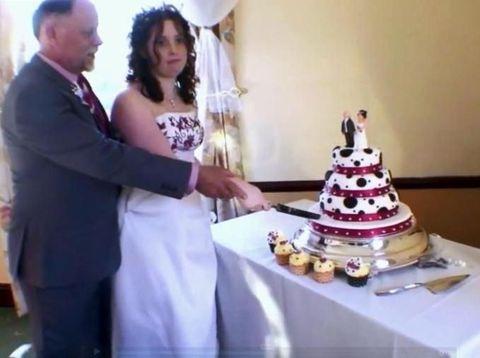 Pernikahan Paling Kontroversial, Wanita Ini Nikahi Mantan Ayah Tirinya