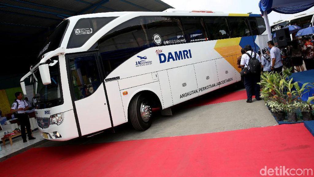 Sopir Bus Damri Tujuan Bandara Soetta Mogok Kerja Massal