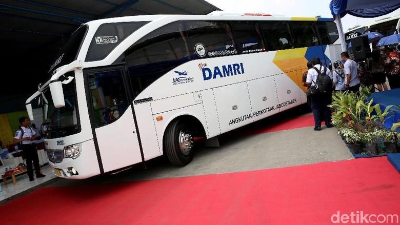 Penerapan e-Tiketing Bus ke Bandara Soekarno Hatta  Perum Damri menggandeng Telkom memperkenalkan layanan e-Ticketing transportasi publik menuju Bandara Soekarno Hatta guna memudahkan masyarakat.