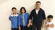 6 Gaya Kompak Sahrul Gunawan Bersama Anak-anak