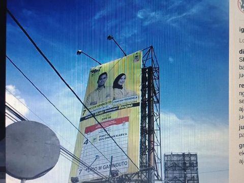 Suaminya Nyaleg, Chacha Frederica Ikut 'Mejeng' di Billboard