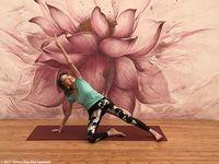 Ini Mantan Model yang Jadi Pelatih Yoga Tertua di Usia 100 Tahun