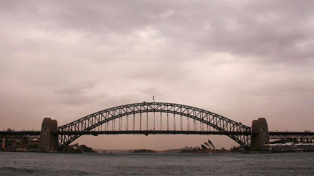 Penampakan Badai Debu yang Bikin Cokelat Langit Sydney