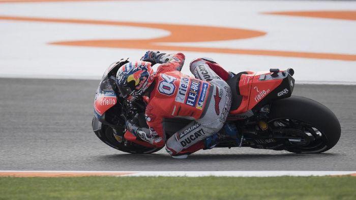 Andrea Dovizioso menguji Desmosedici GP19 di tes MotoGP Valencia. (Foto: Mirco Lazzari gp/Getty Images)