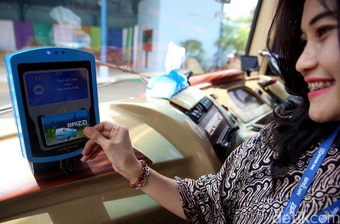 Dalam rangka melaksanakan transformasi digital dan memberikan pelayanan yang berkualitas prima serta berorientasi kepada pelanggan, Perum Damri bekerja sama dengan PT Telkom Indonesia (Persero) Tbk (Telkom) meluncurkan e-Ticketing Damri Rute Bandar Udara Internasional Soekarno Hatta di Pool Damri Kemayoran, Jakarta, Kamis (22/11).